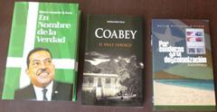Libros escritos o editados por Ortiz Ramos. (Foto: L.T.S.)